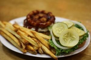 7 Smart Ways to Save Money at Restaurants